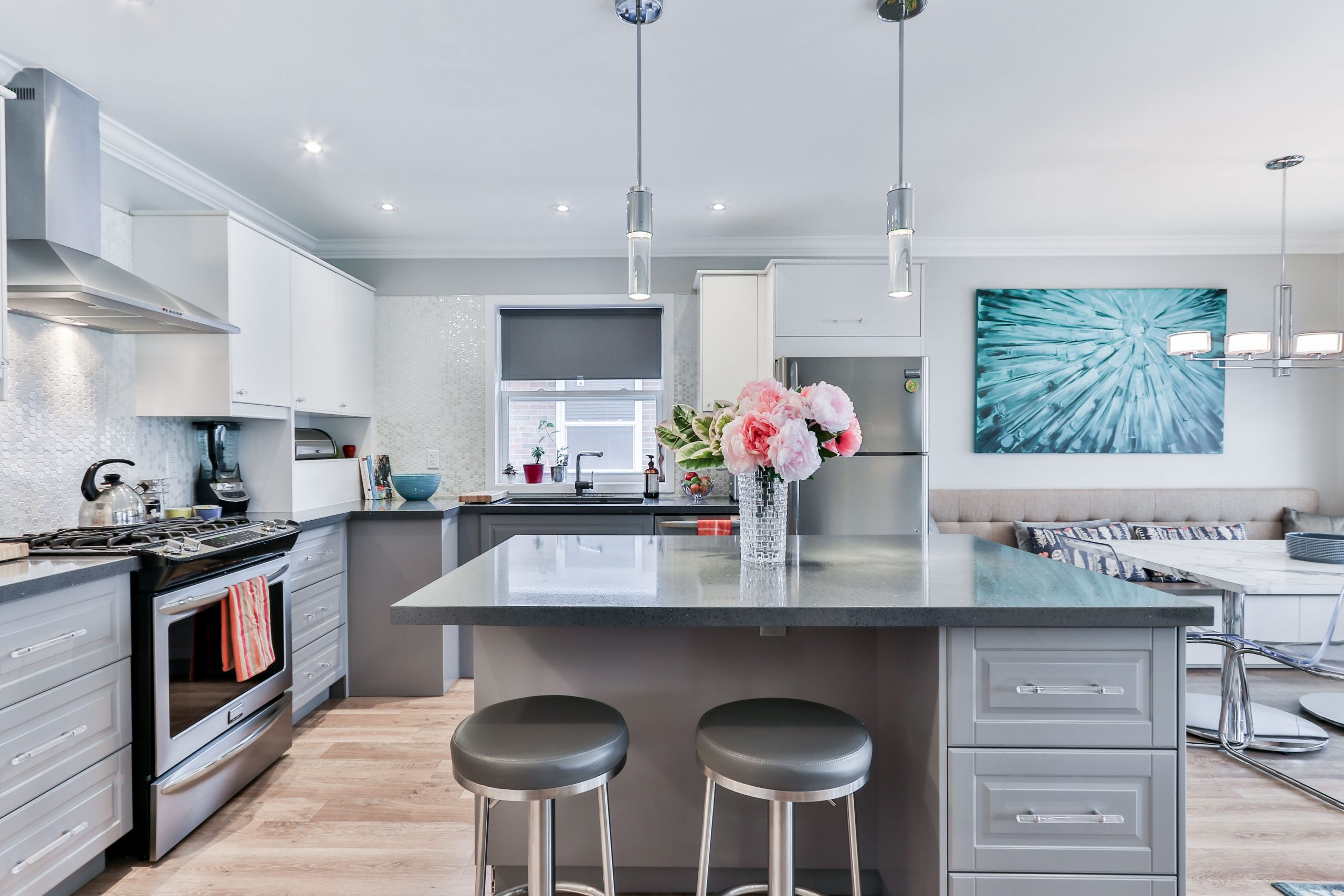 11 Modern Kitchen Grey Cabinets That Will Increase Look of Your Modern Kitchen