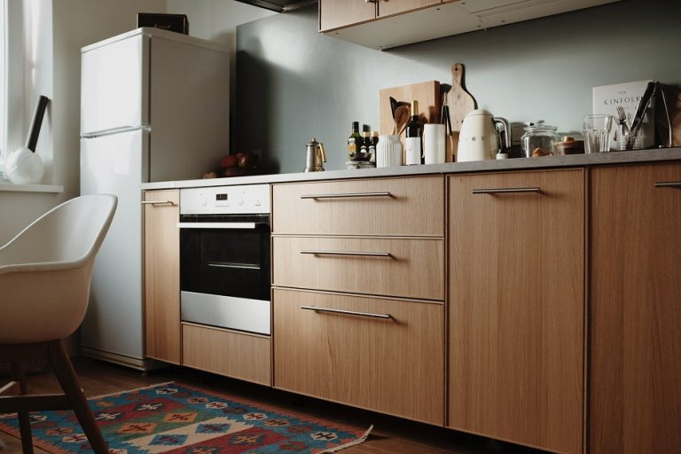 How To Clean Kitchen Cabinets? [2021] Experts Opinion