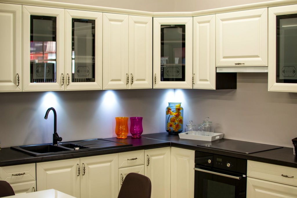 how to clean wood kitchen cabinets